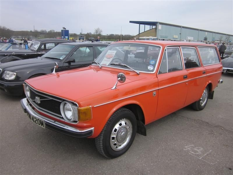 Very nice 1974 Volvo 145 in the Carpark